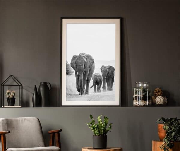 Wilder Elefant mit zwei Elefanten Kindern